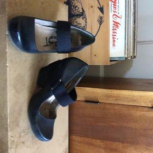 Otbt cute wedge shoes!